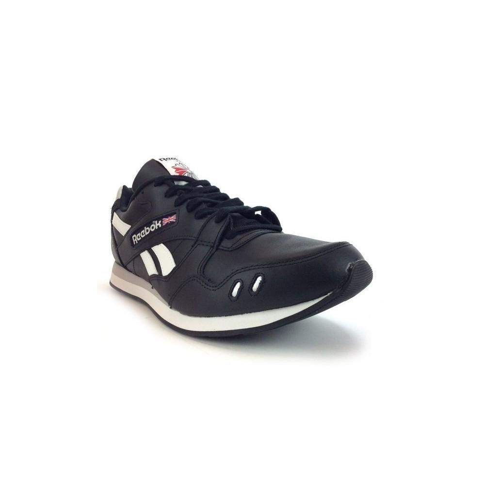 b031c3751c7 basket basse Reebok Classic ref   M44524 en cuir synthétique noir et blanc.