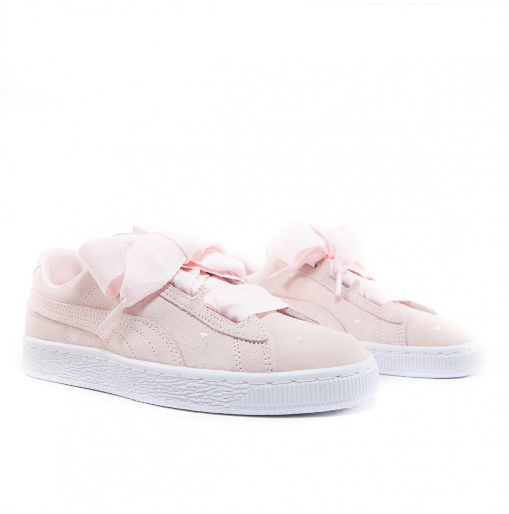 the latest 25abb 91c15 Suede Heart Valentine